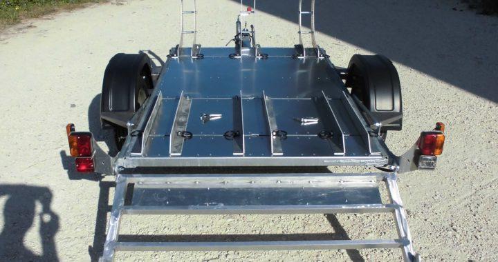 Carrello porta moto e altro in fase di carico spoleto for Carrello porta ombrellone e sdraio